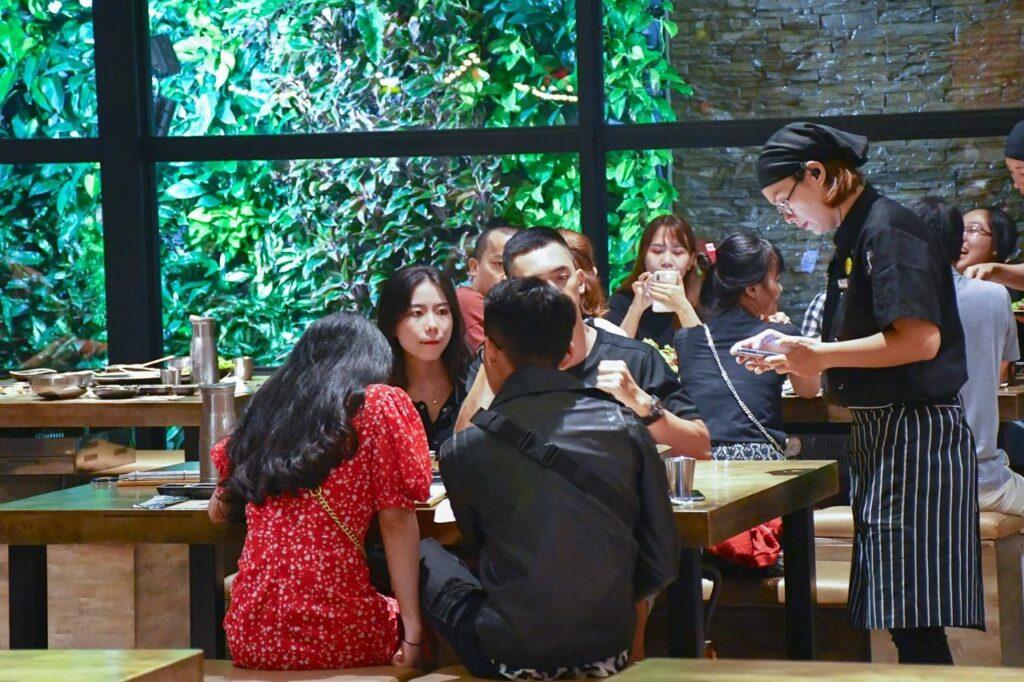 BBQ PARTY CUOI NAM TANG PHAN BO WAGYU 4268385 n