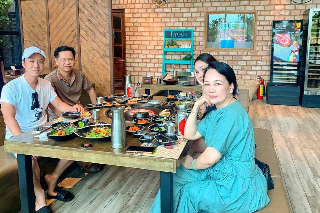 BBQ PARTY CUOI NAM TANG PHAN BO WAGYU 4268386 n